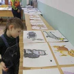 """В Воскресной школе храма """"Знамение"""" прошла выставка работ учеников студии рисования."""