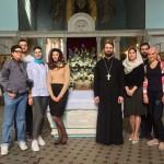 Приходская молодежь приняла участие в уборке храма к Празднику Успения