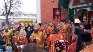 Sobornoe-arhierejskoe-bogosluzhenie-v-prazdnik-sv.blgv.knjazja-Aleksandra-Nevskogo-proshlo-v-Pereslavle